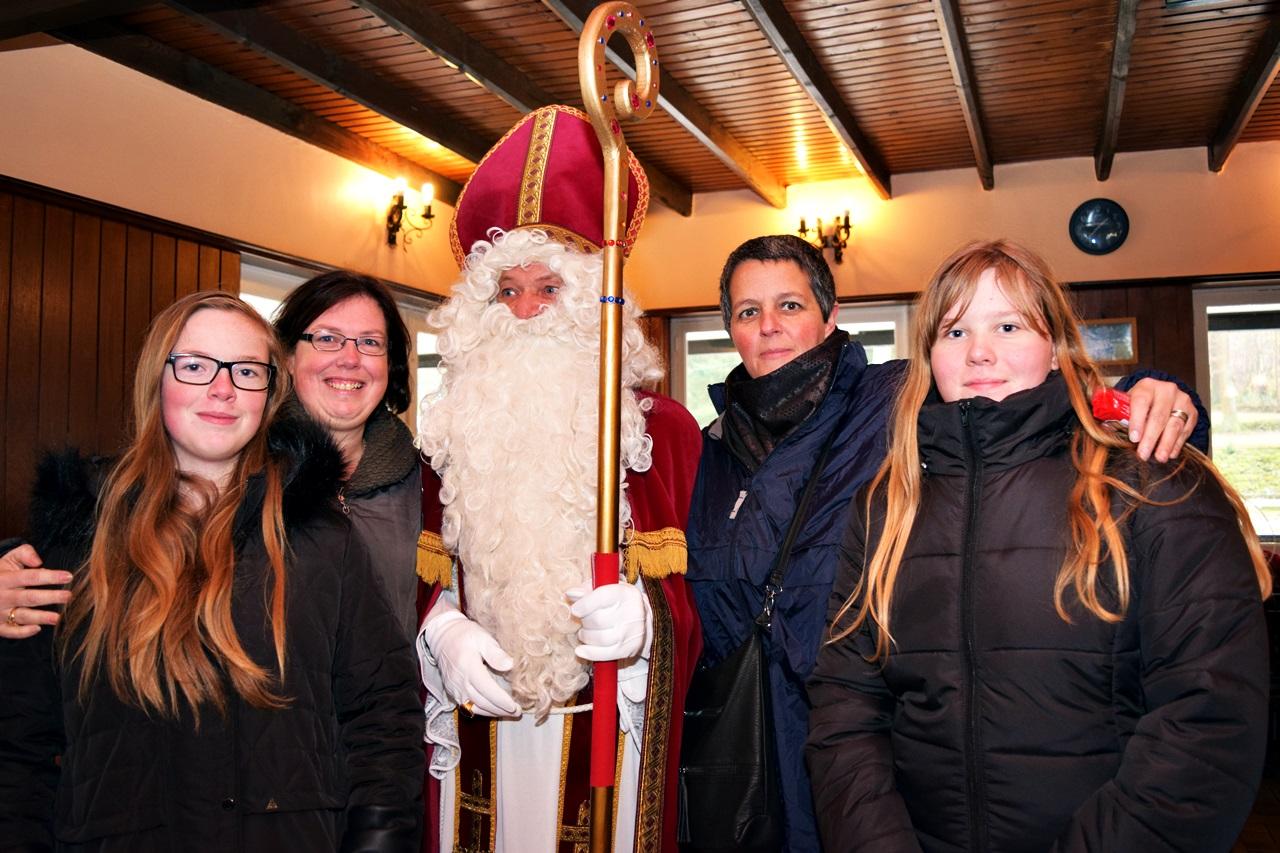 Visite de St Nicolas pour les enfants - 27 Nov 2016